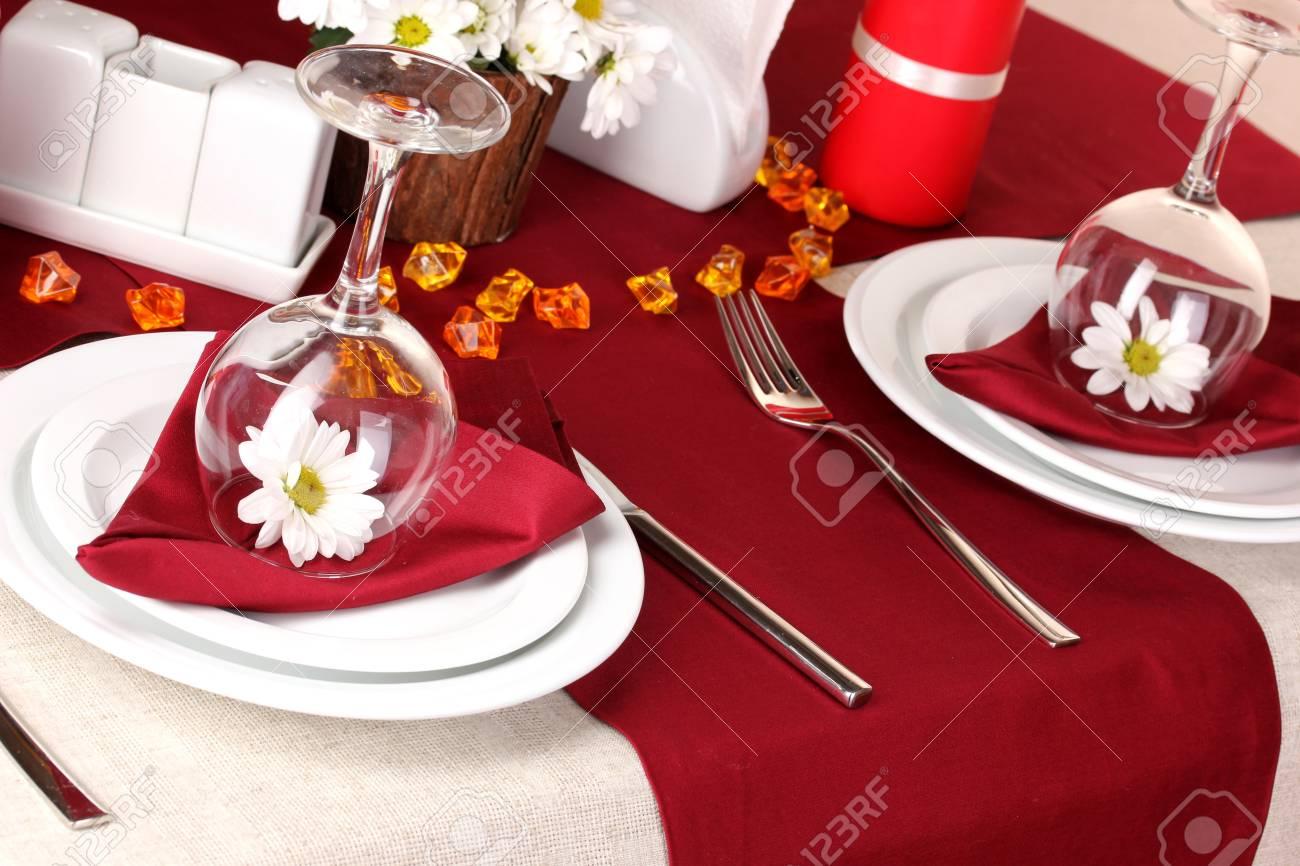 Elegant table setting in restaurant Stock Photo - 16501795