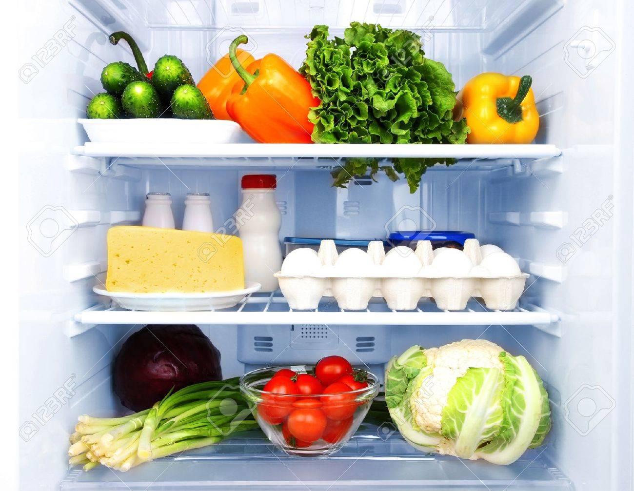 Kuhlschrank Voller Lebensmittel Lizenzfreie Fotos Bilder Und Stock