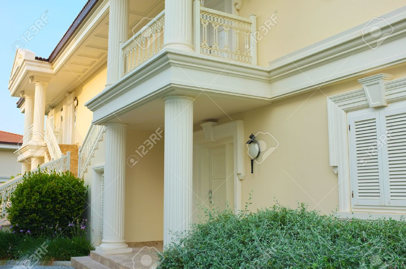 Modern house with landscaping on front Stock Photo - 21321400
