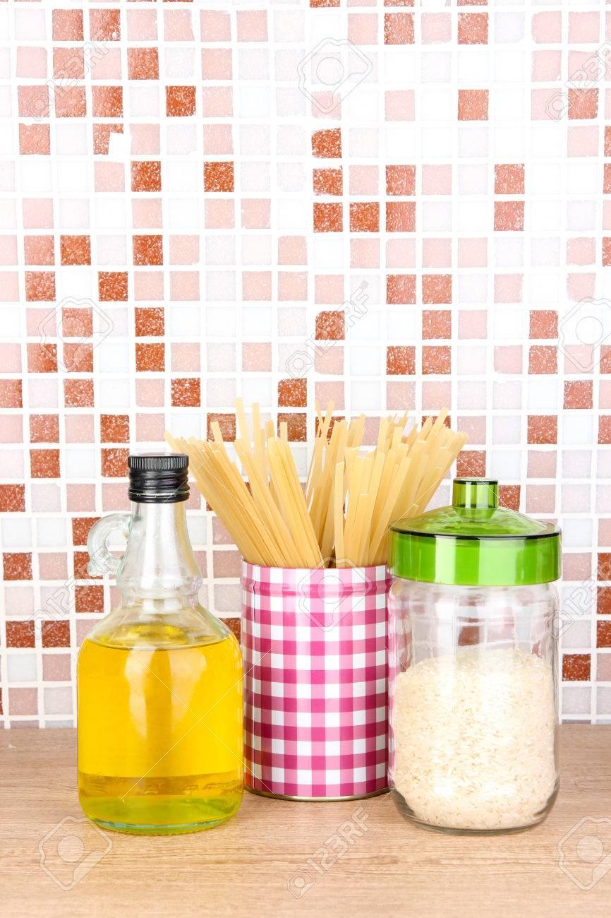 Tisch Mit Mosaikfliesen.Stock Photo