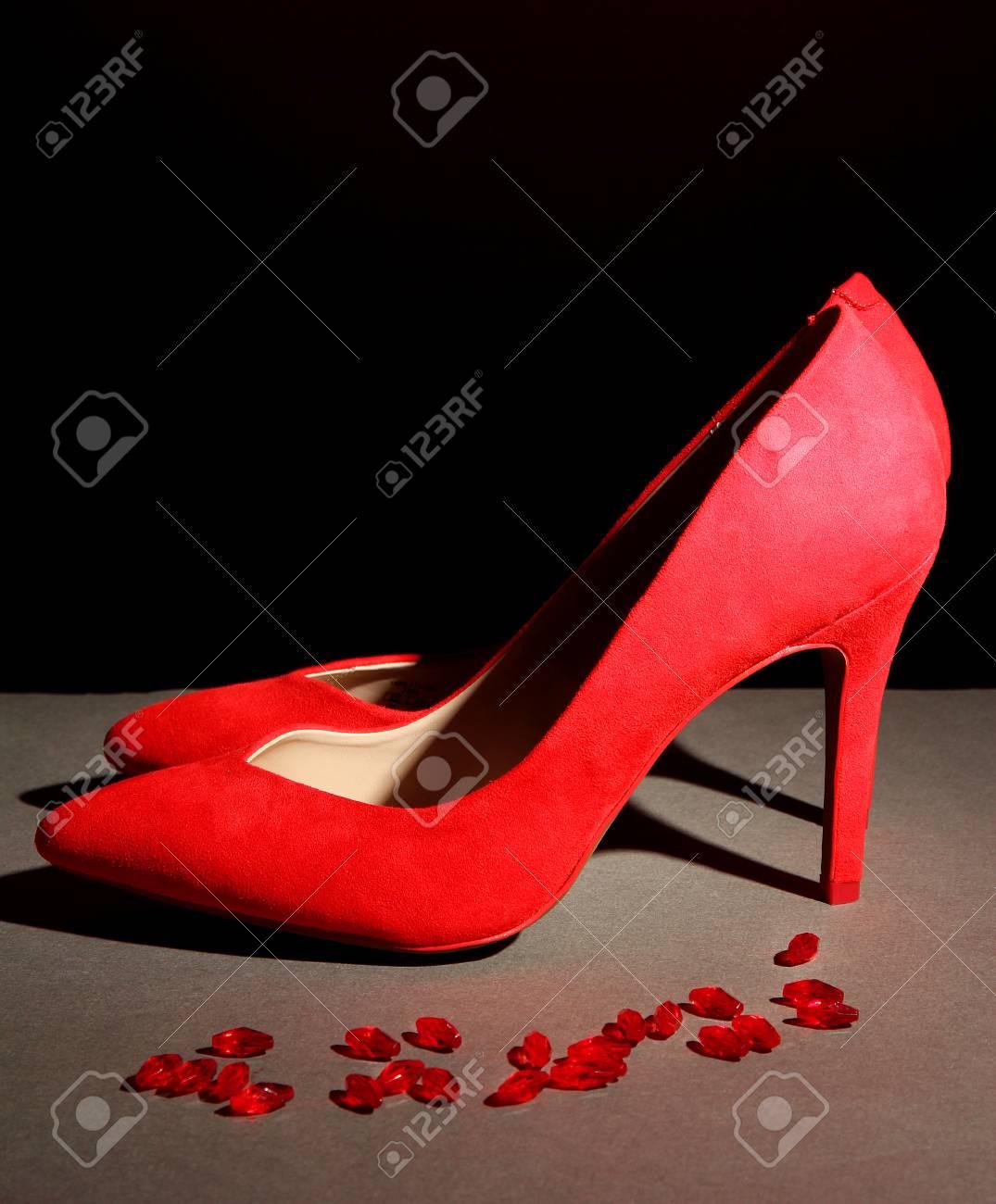 Femmes Noir Chaussures RougesSur Fond Belles OXkZiulwPT