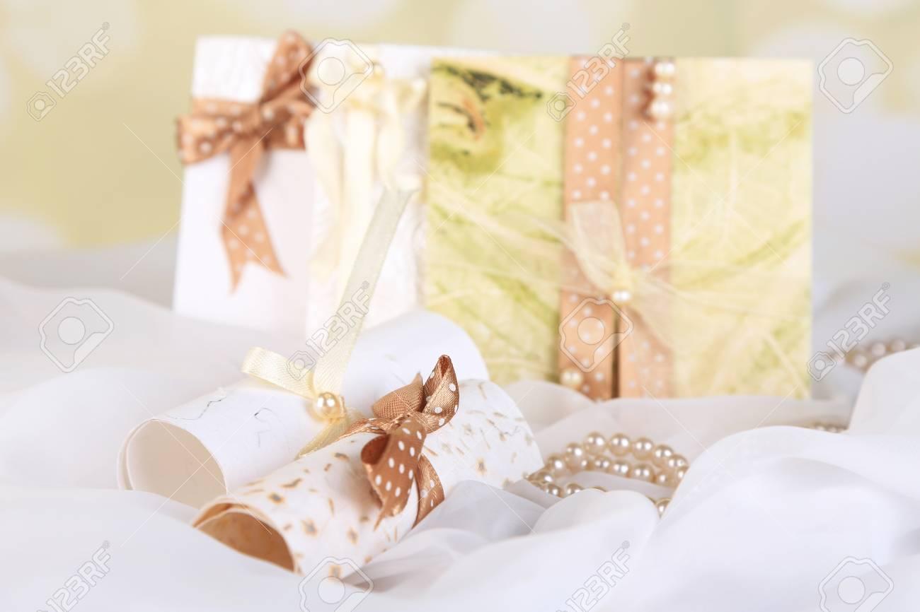 Schone Handgemachte Hochzeitskarten Auf Hellem Hintergrund