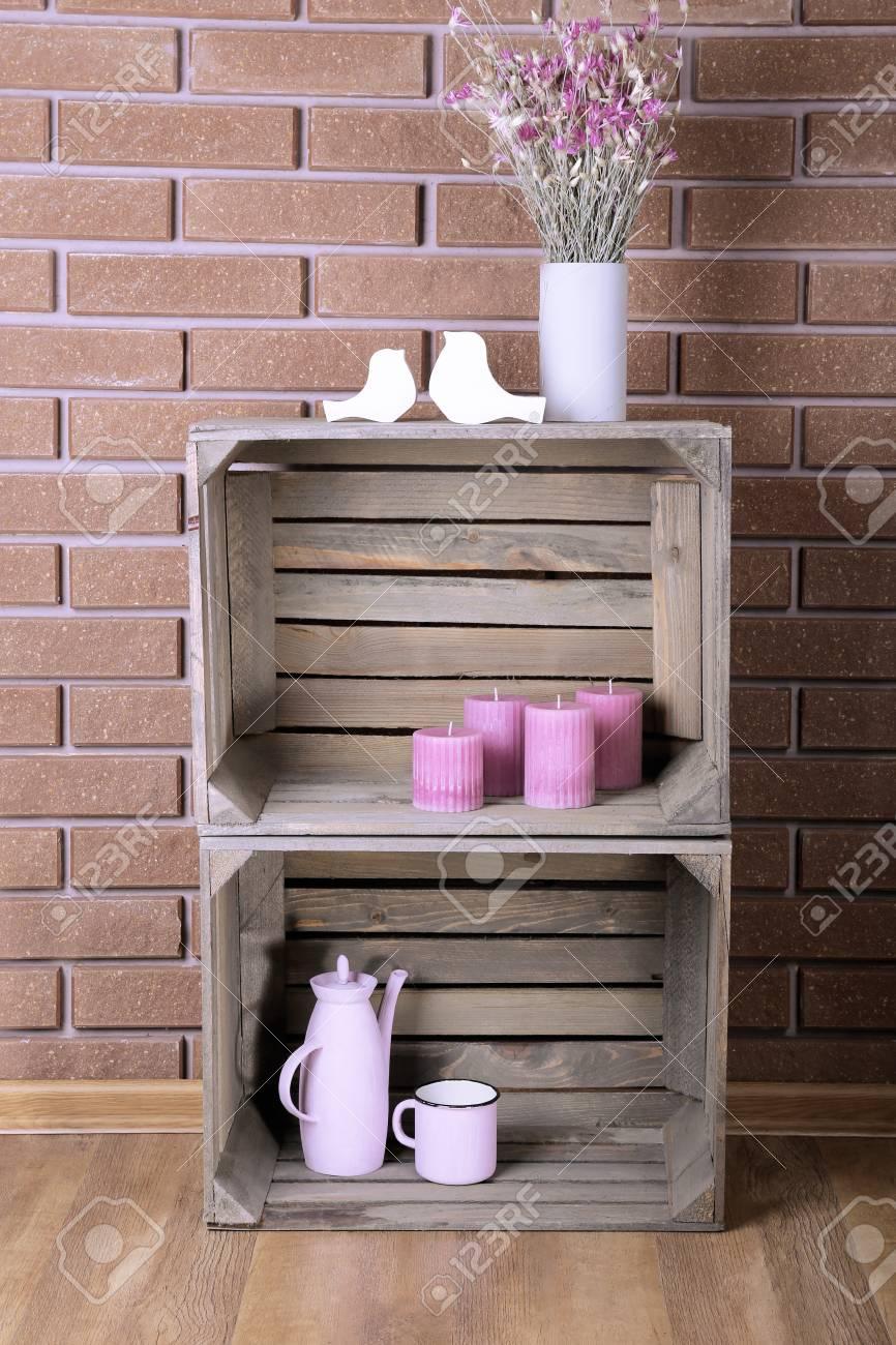 Regale Von Holzkisten Für Kleine Dinge Für Zu Hause Gemacht ...