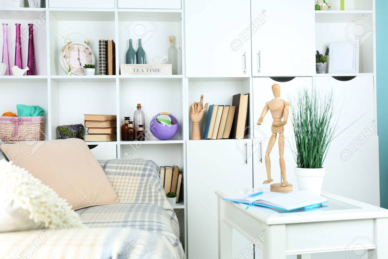 Moderne Innenarchitektur Wohnzimmer In Hellen Farben, In Innenräumen  Standard Bild   39390821