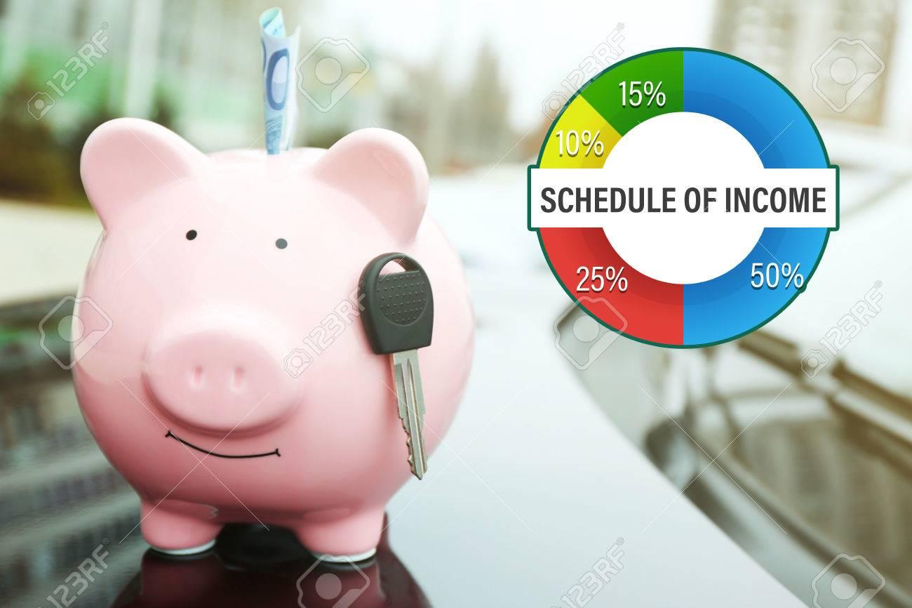 Betriebliches Rechnungswesen-Konzept. Piggy Spardose Mit Bargeld Und ...