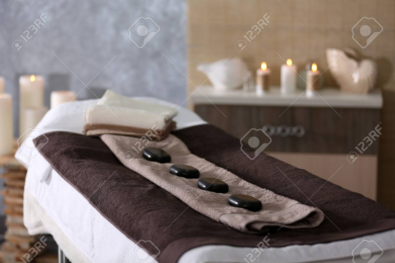 Place for relaxation in modern wellness center - 94545408