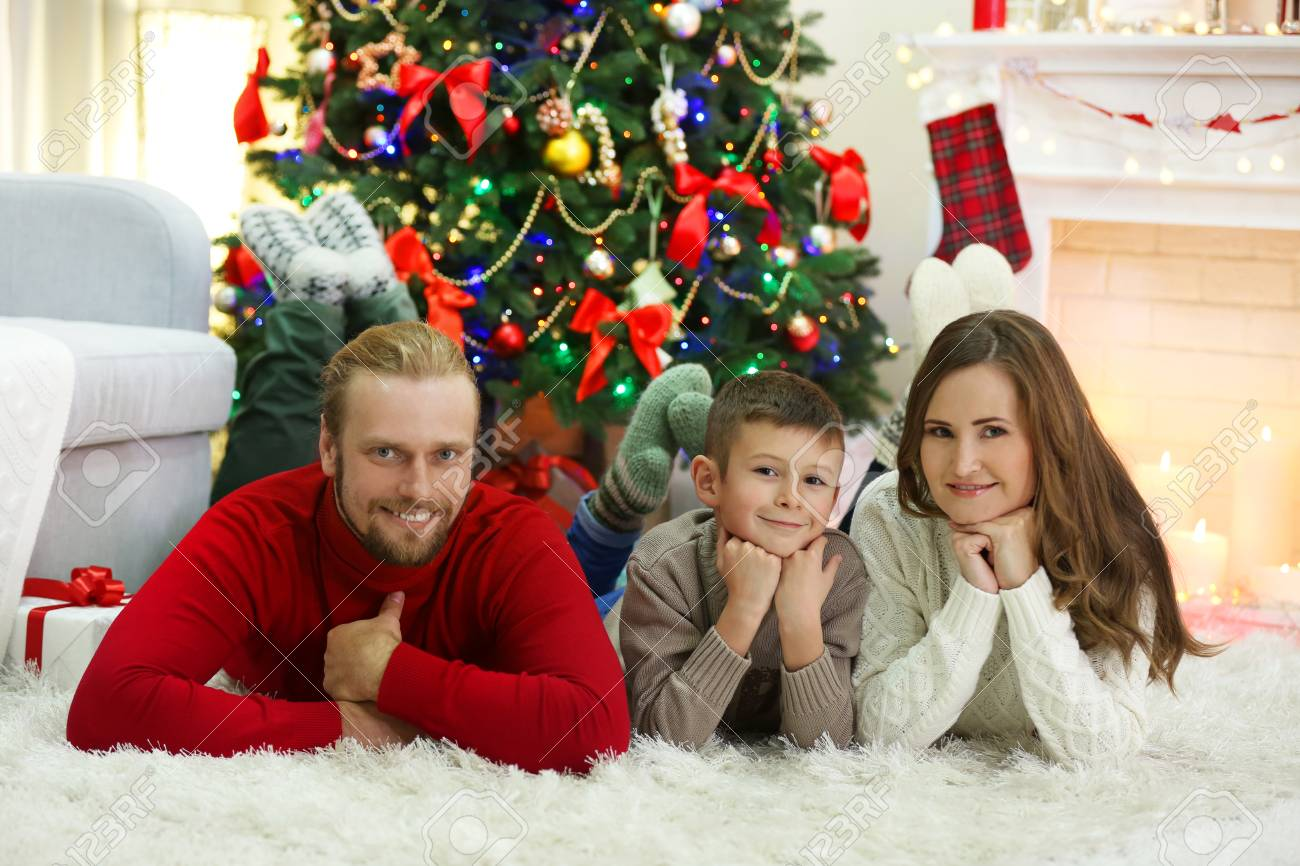 Christmas Family Portraits.Christmas Family Portrait In Home Holiday Living Room