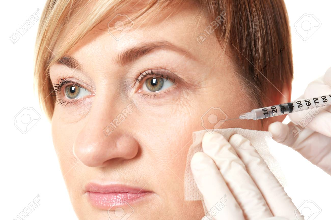 Hyaluronic acid injection for facial rejuvenation procedure