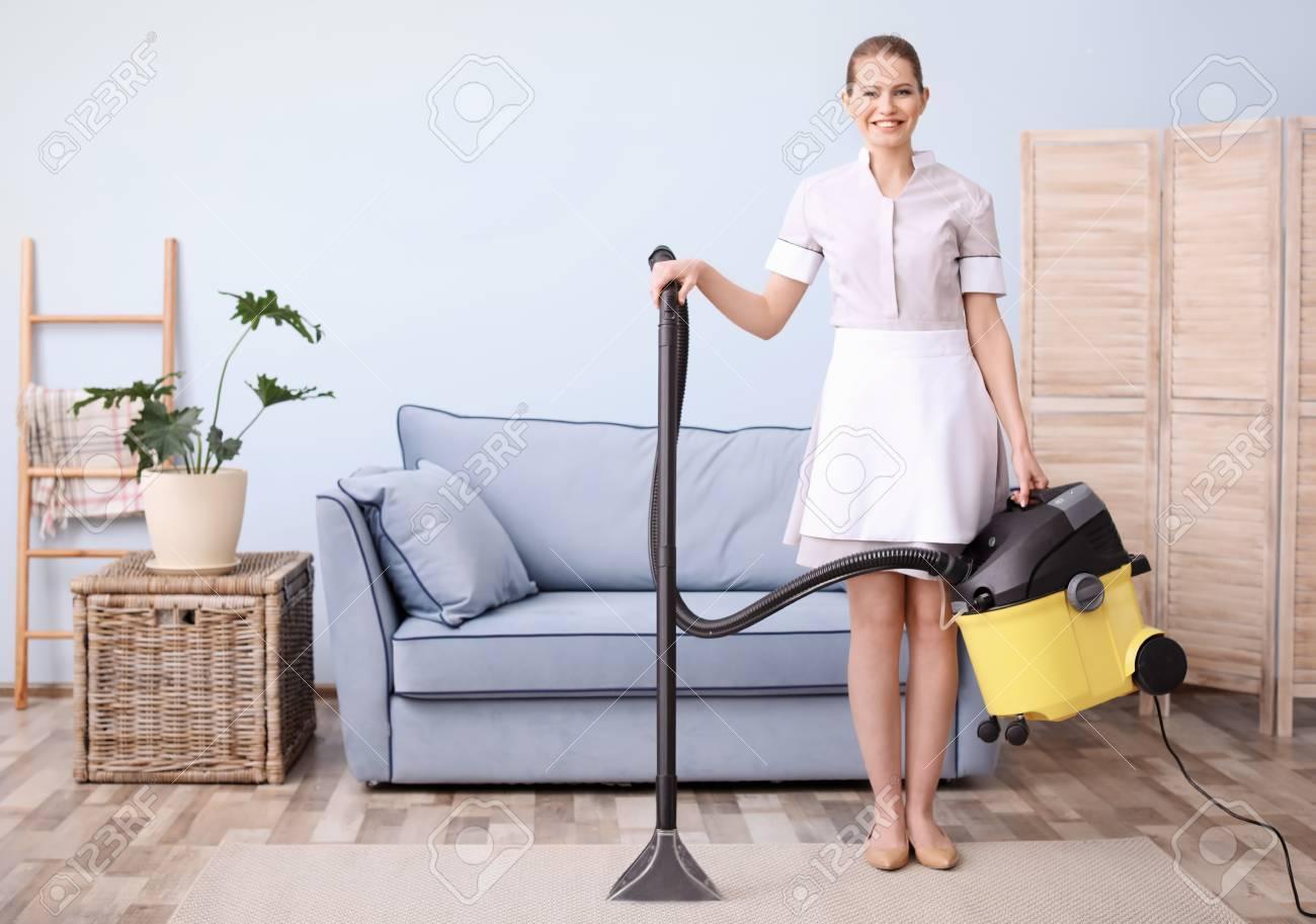 Vacuum Cleaner In Living Room Ekenasfiberjohnhenrikssonse