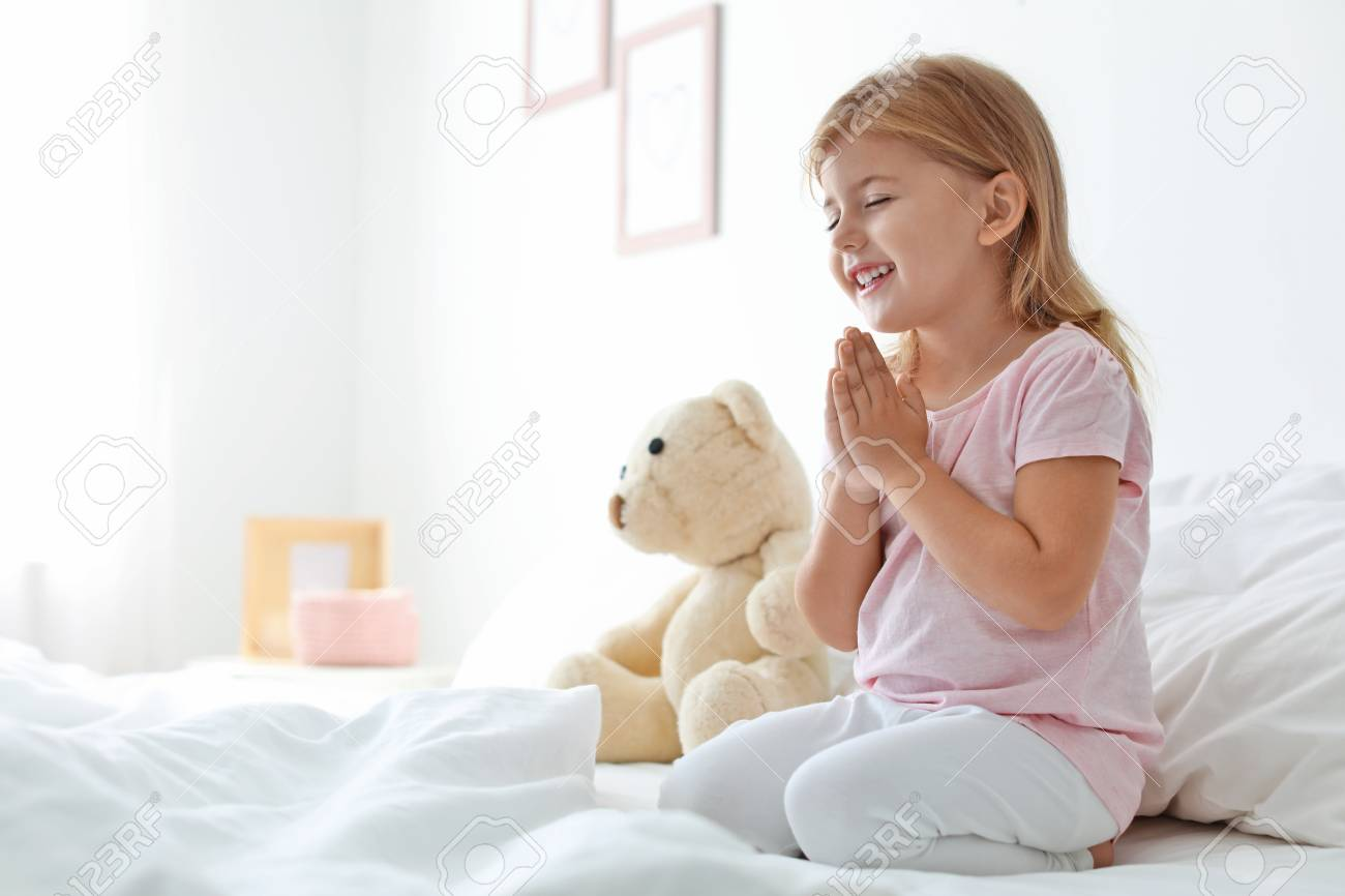 Little Girl Praying In Bed At Home Space For Text Royalty Vrije