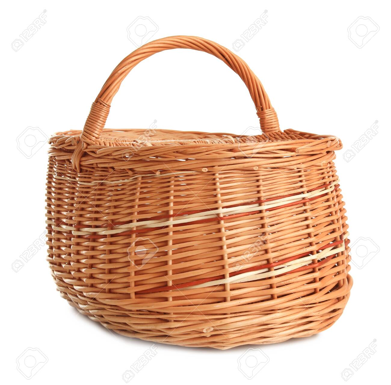 Empty wicker picnic basket isolated on white - 126607406