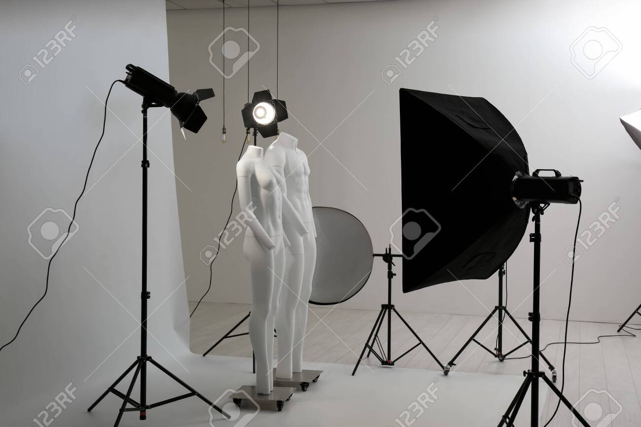 Modern ghost mannequins in professional photo studio - 147290556