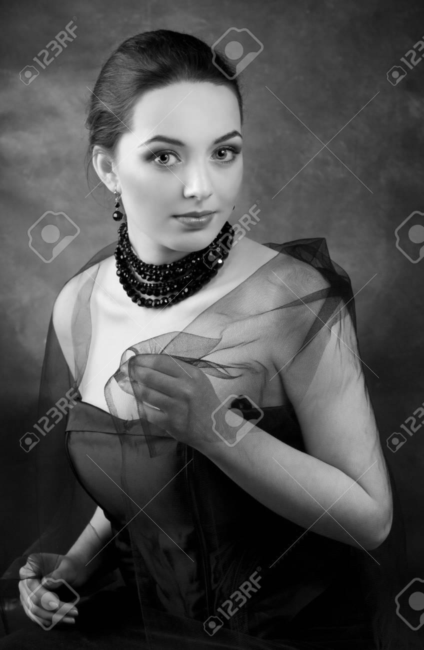 Romantic beautiful woman. Retro Styl Stock Photo - 9503849