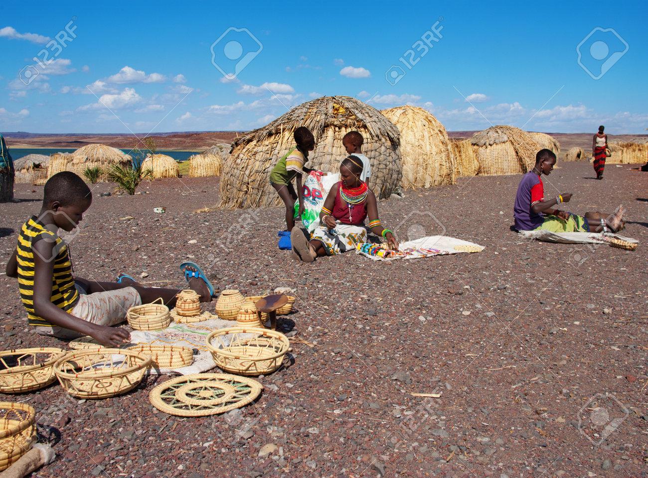 湖トゥルカナ、ケニア 1 月 12: ...