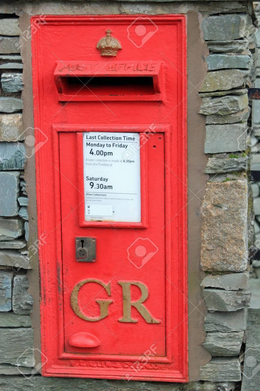 Boite Aux Lettres Rouge Britannique Avec Lettres Gr Designant Une