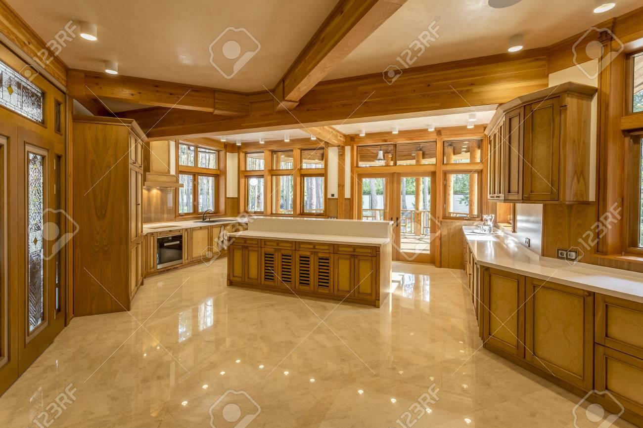Grosse Kuche Aus Holz Im Oko Haus Gemacht Kuchenmobel Und