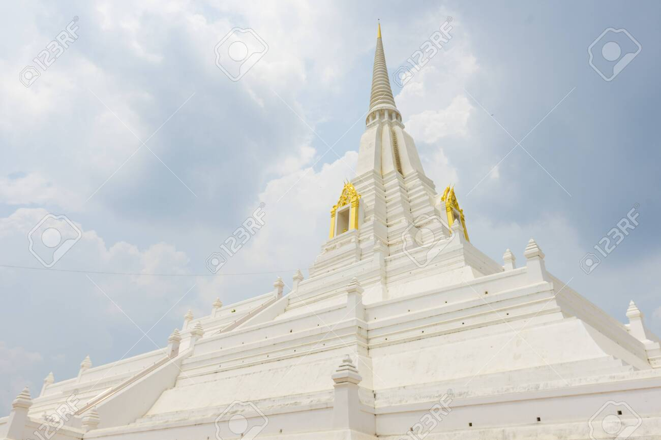 Beautiful chedi of Phukhao Thong in Ayutthaya, Thailand. - 124425377
