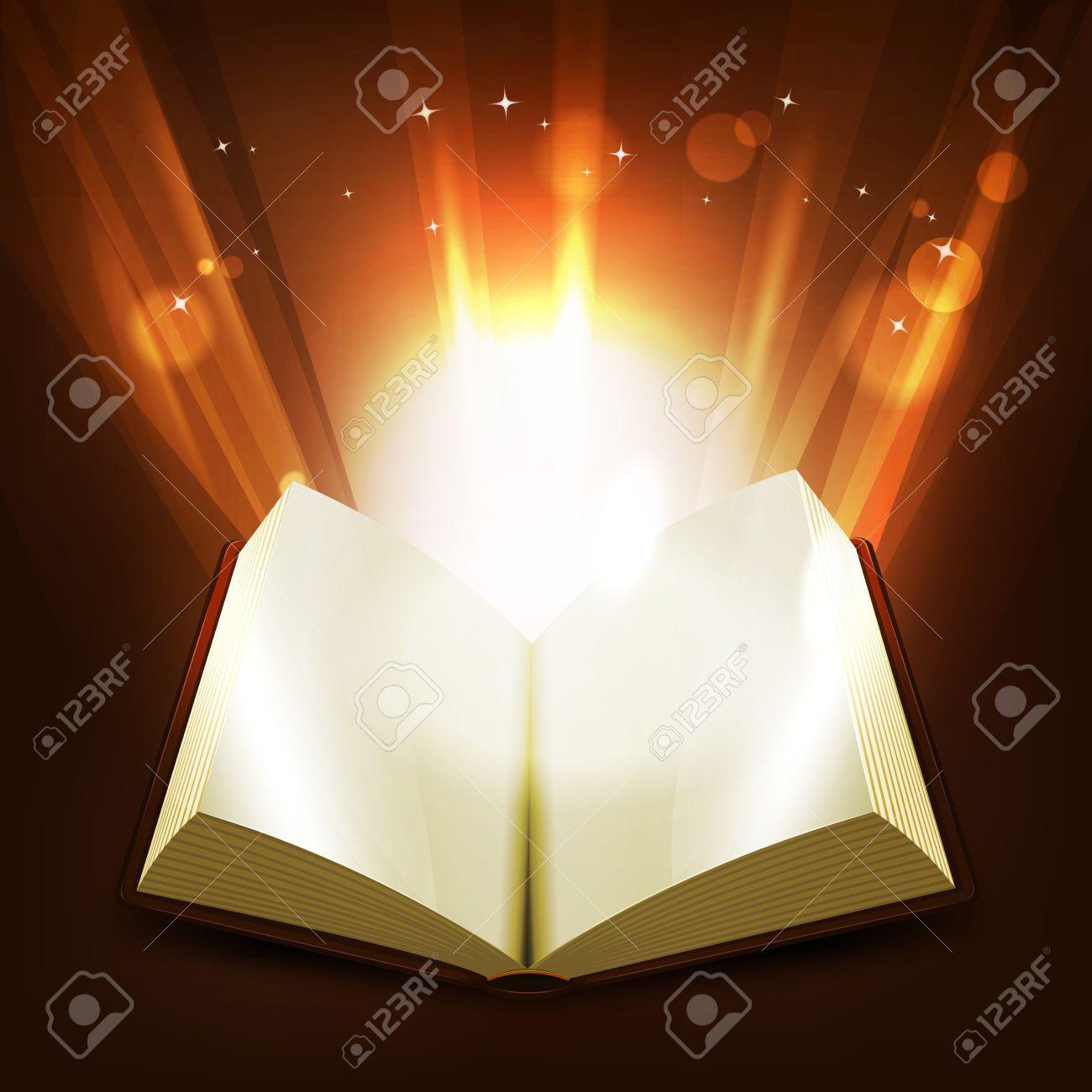 Illustration D Un Livre Ouvert Avec Des Rayons Lumineux Eclairant Et Lumineux Brillants Rayons De Lumiere Magiques Qui Renait De Ses Pages