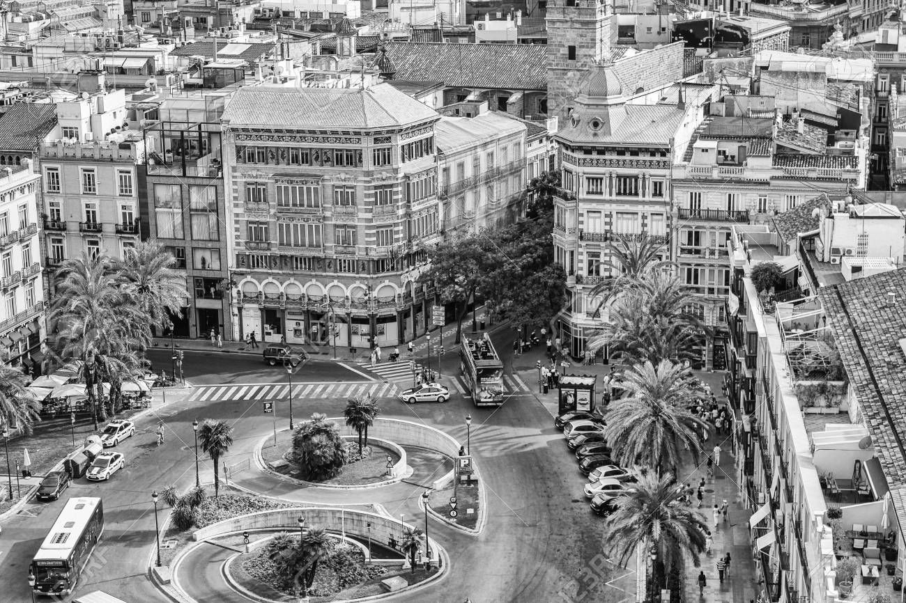 queen square in the city of Valencia in Spain - 85432684