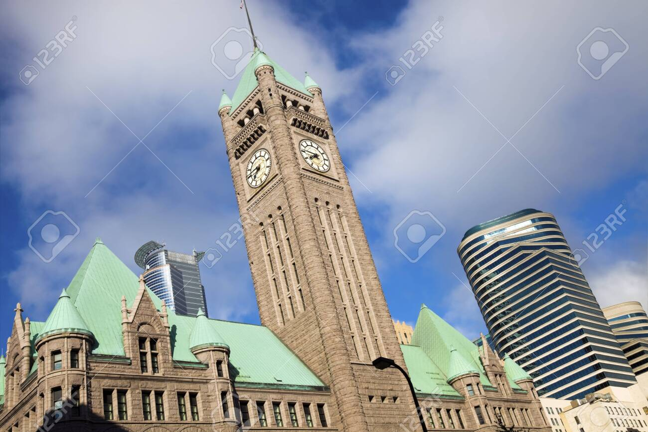 Old and new buildings in Minneapolis, Minnesota. Stock Photo - 7489024