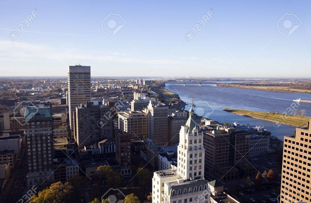Aerial Memphis - Mississippi River on the right. Stock Photo - 8111053