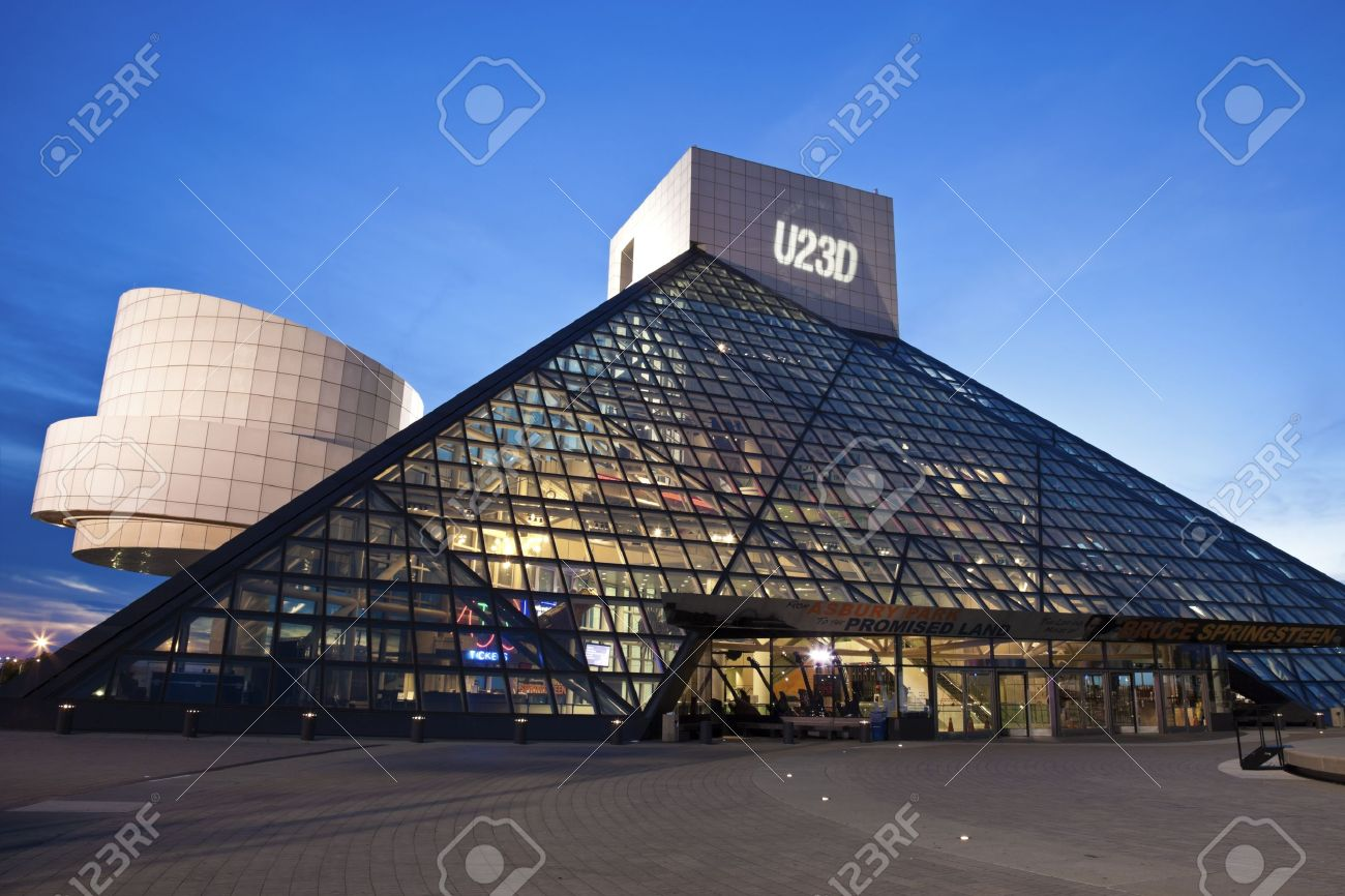 Cleveland, Ohio, USA The Rock And Roll Hall Of Fame And Museum In ...