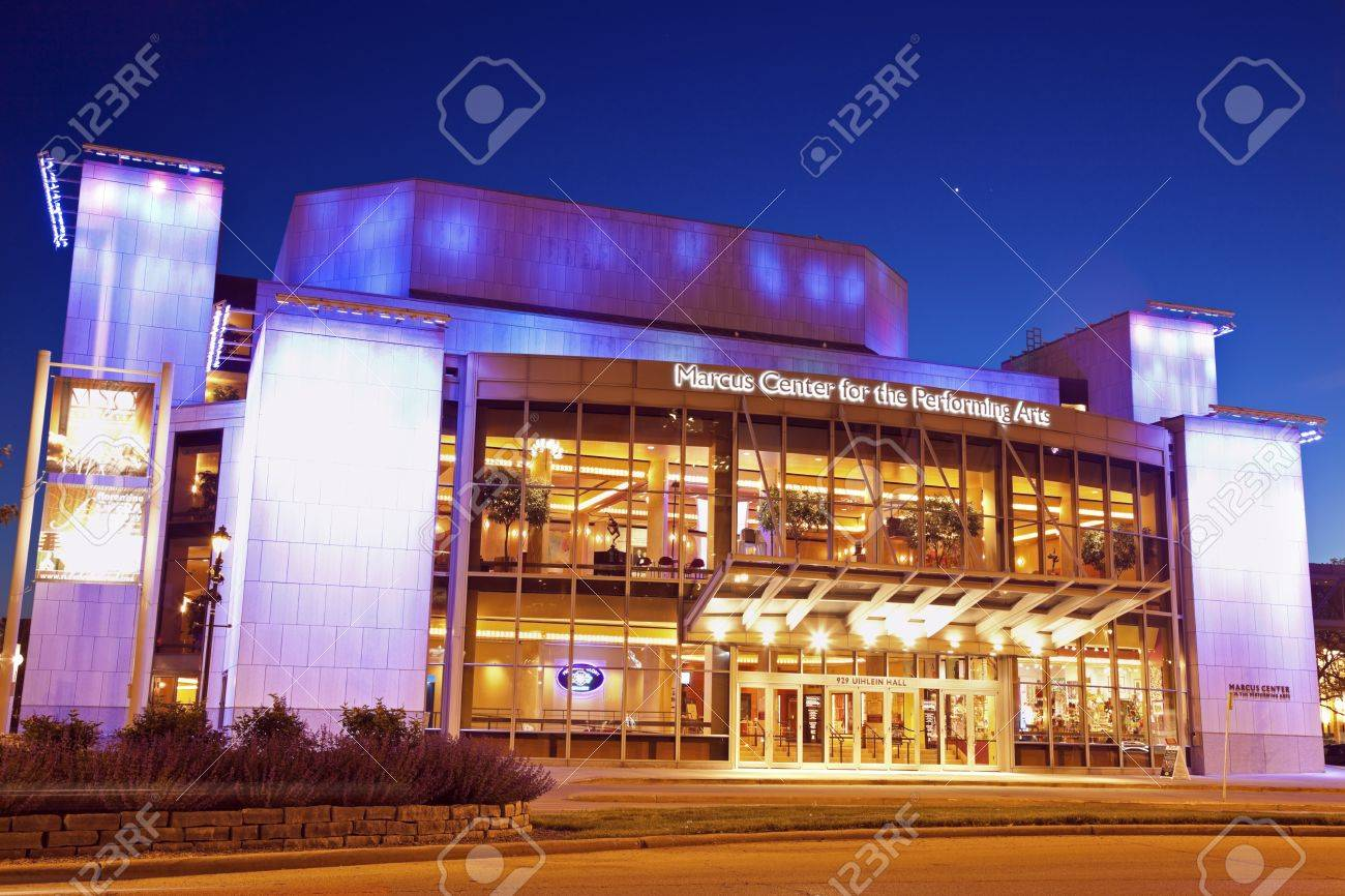 Milwaukee, Wisconsin, USA - May 10, 2012 Marcus Center for the Performing Arts in downtown of Milwaukee. Marcus Center is home to Milwaukee Symphony Orchestra, Florentine Opera, Milwaukee Ballet and First Stage Children's Theater. Opened in 1969. Seen dur Stock Photo - 13789557