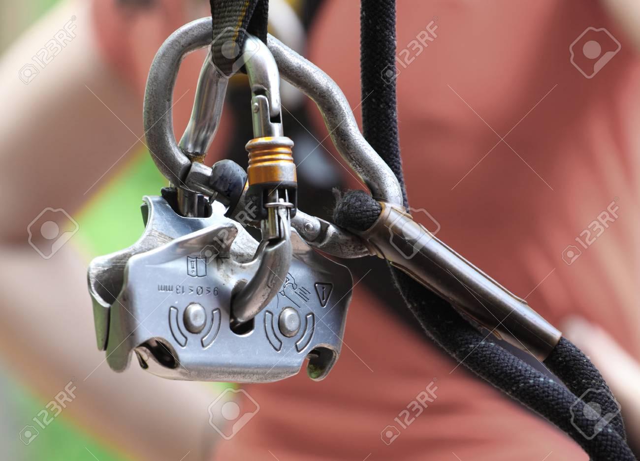 Kletterausrüstung Sicherung : Sicherheitshalteseil und sicherungsseil springhook teil der