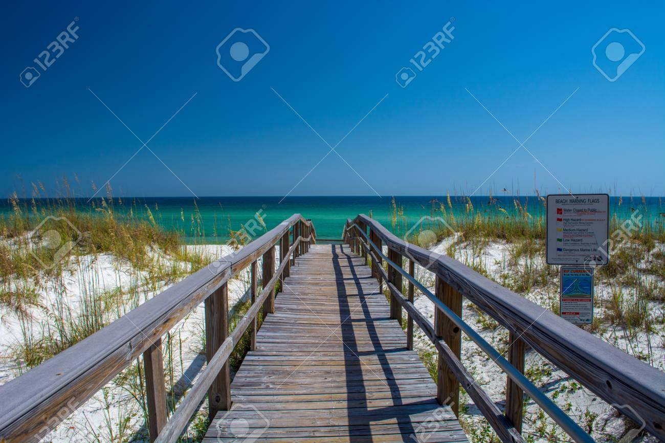 image de pensacola beach
