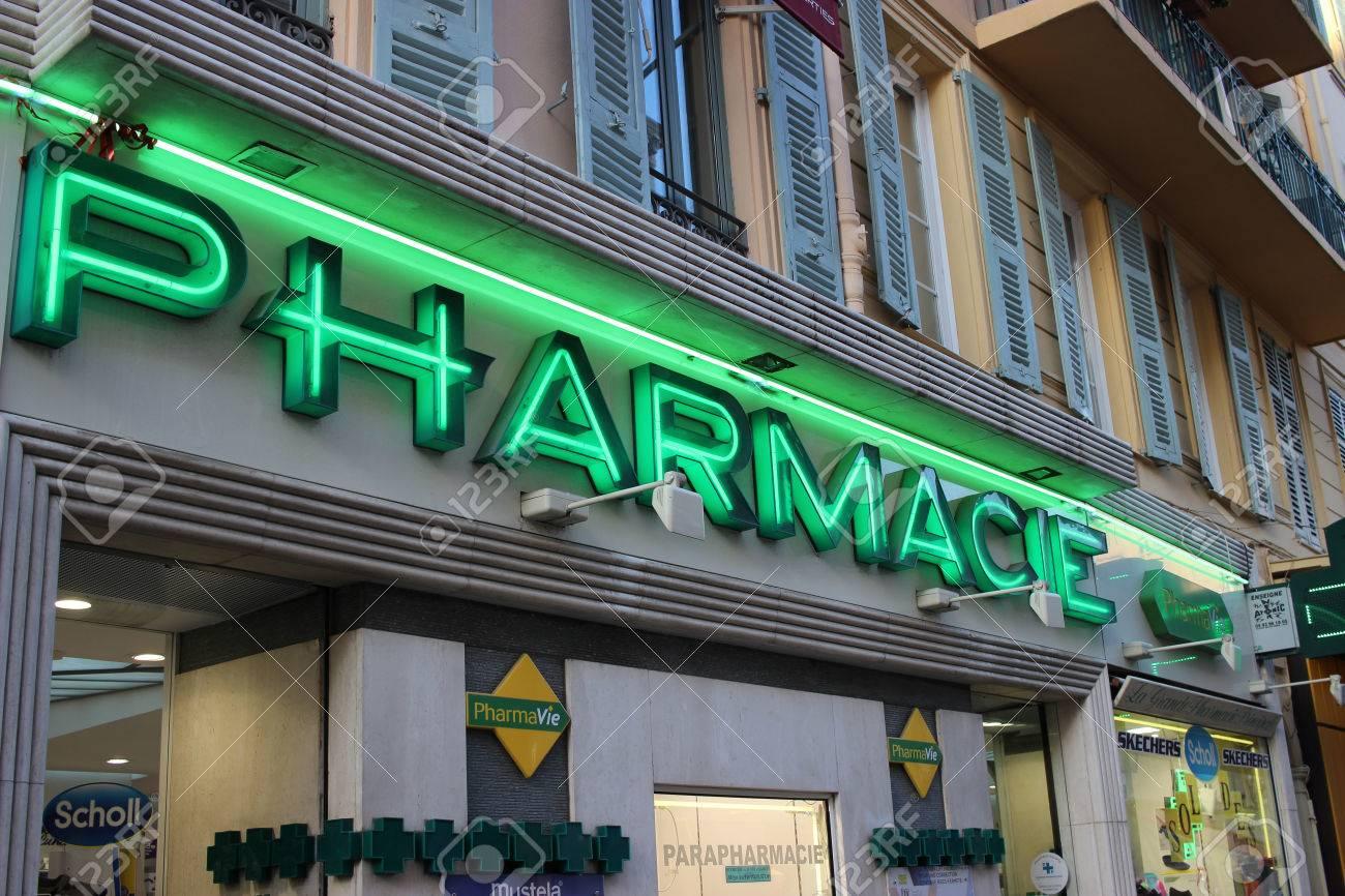 Casa Verde Alternativa  Nice, France - February 15 2016: Facade Of A French Pharmacy ...