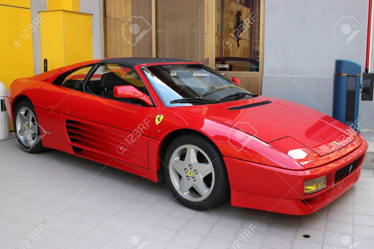 La Condamine Monaco 17 März 2016 Red Ferrari 348 Ts Zu Verkauf Geparkt Vor Einem Ferrari Car Dealer In Monaco Lizenzfreie Fotos Bilder Und Stock Fotografie Image 55276027