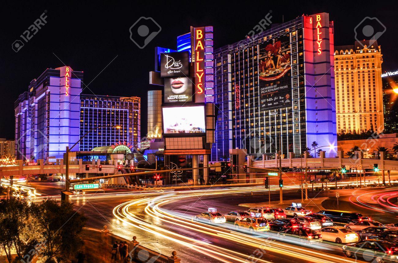 Light Trails   Long Exposure Of The Las Vegas Strip Stock Photo   30266456