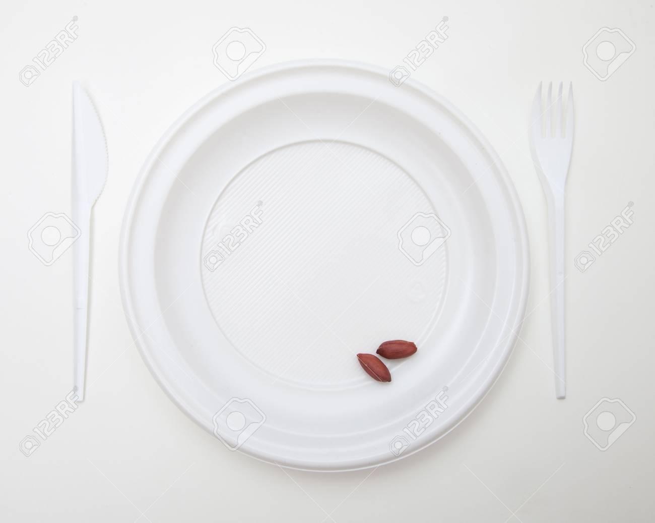 Weiß Einweg Geschirr Set Gabel Messer Und Erdnuss Lizenzfreie Fotos