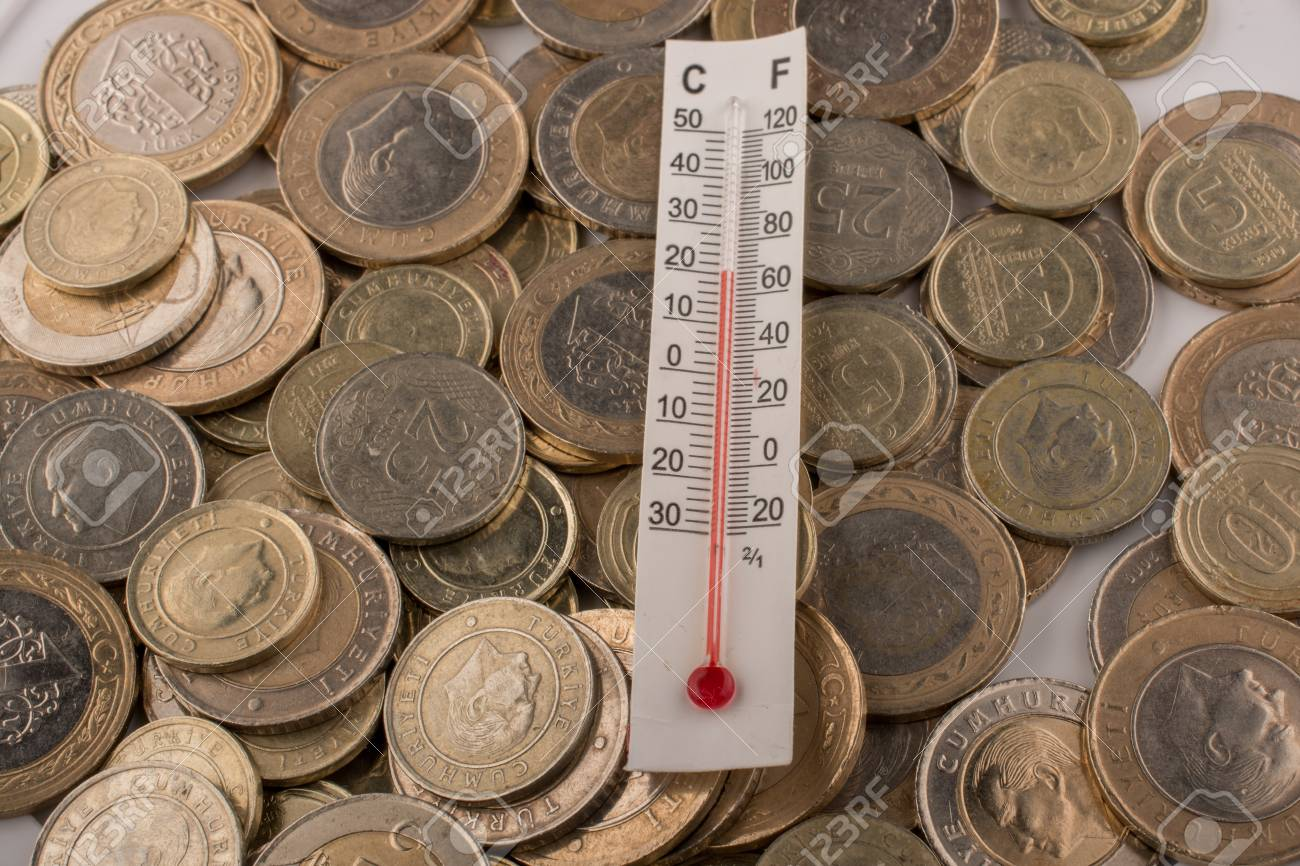 Thermometerinstrument Und Türkische Lira Münzen Lizenzfreie Fotos