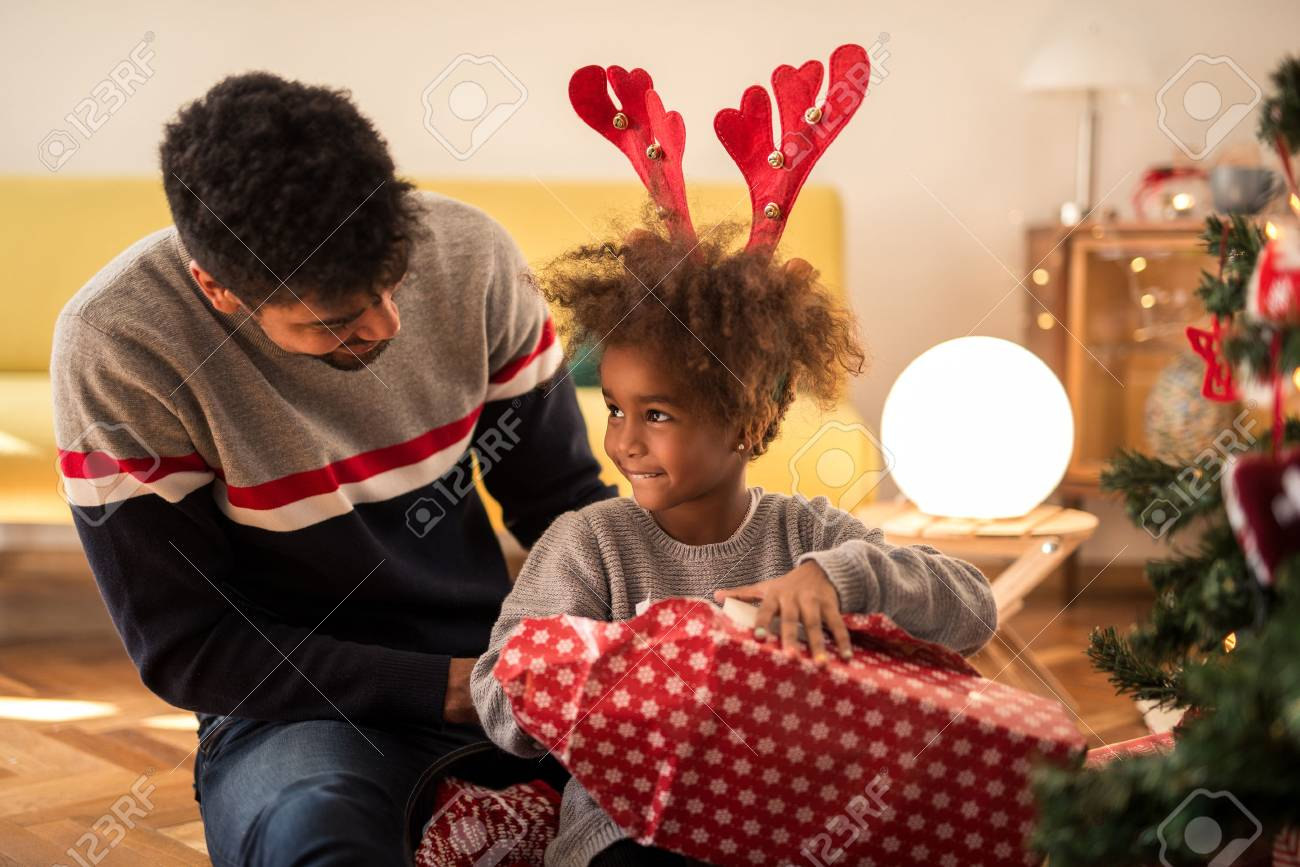 Christmas Ideas For Dad From Daughter.Dad Surprising His Daughter With Christmas Gift