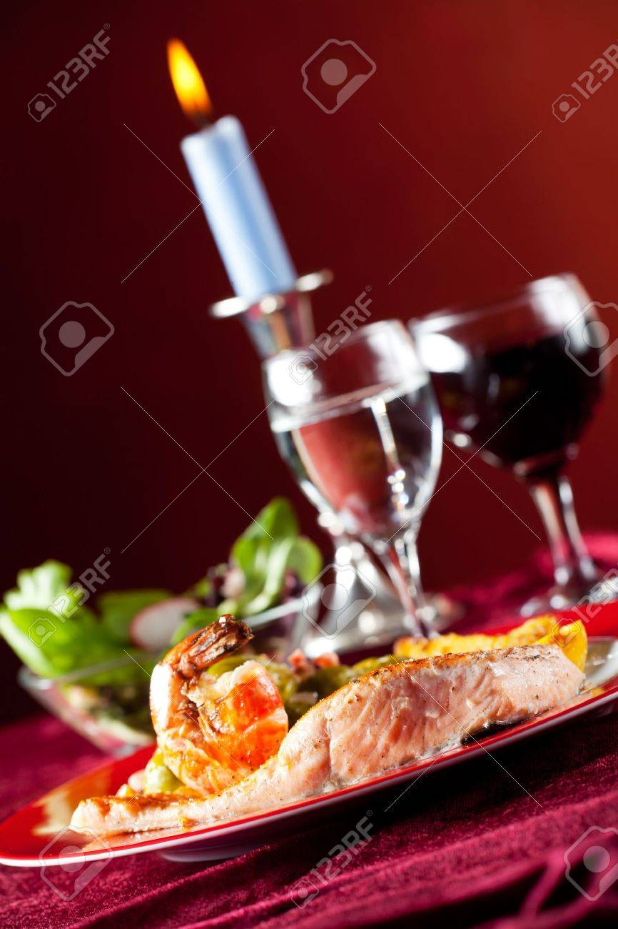 salmon filet with red pepper corns and brussel sprouts Stock Photo - 11075784