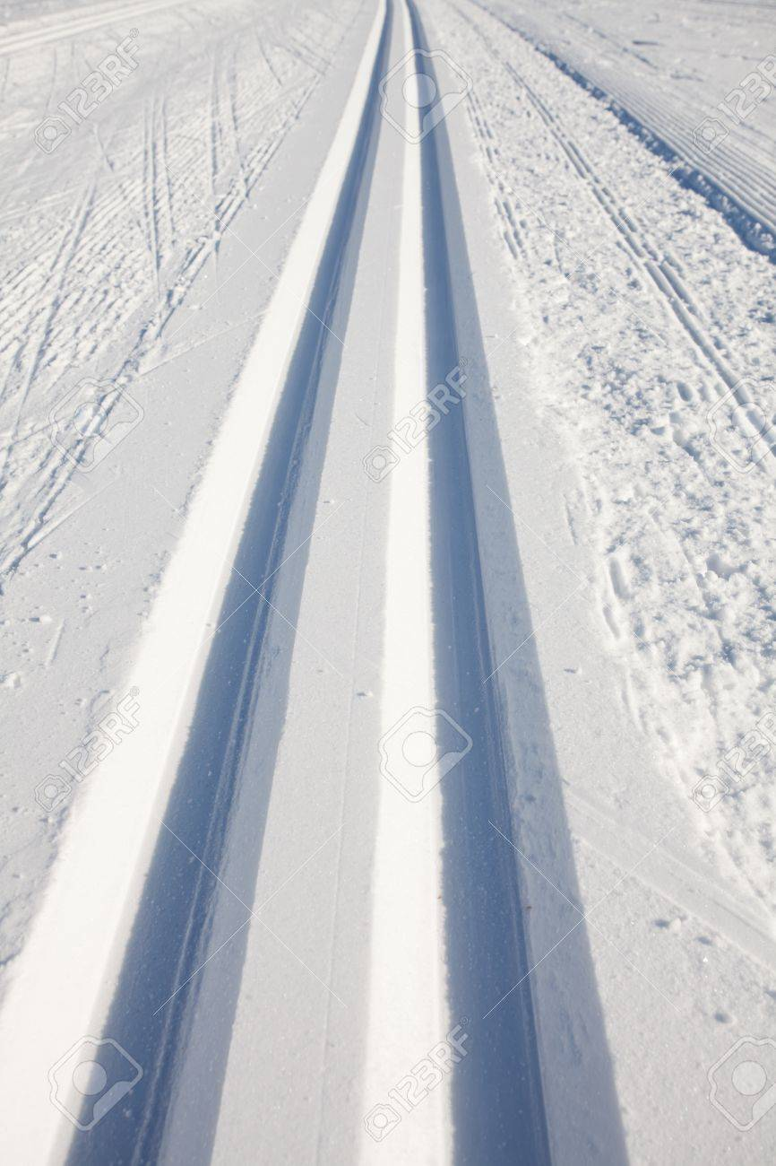cross country skiing tracks in the winter Stock Photo - 13814075