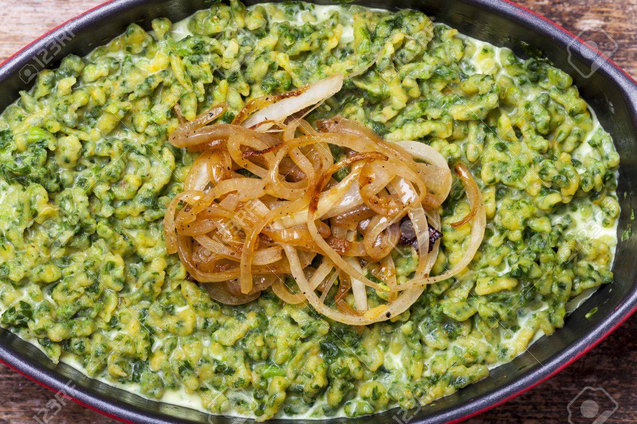 spaetzle with spinach, a bavarian speciality Stock Photo - 17871724