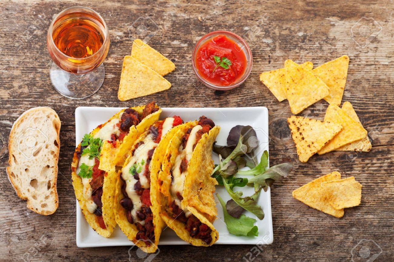 taco with chili con carne in a bowl Stock Photo - 18937557