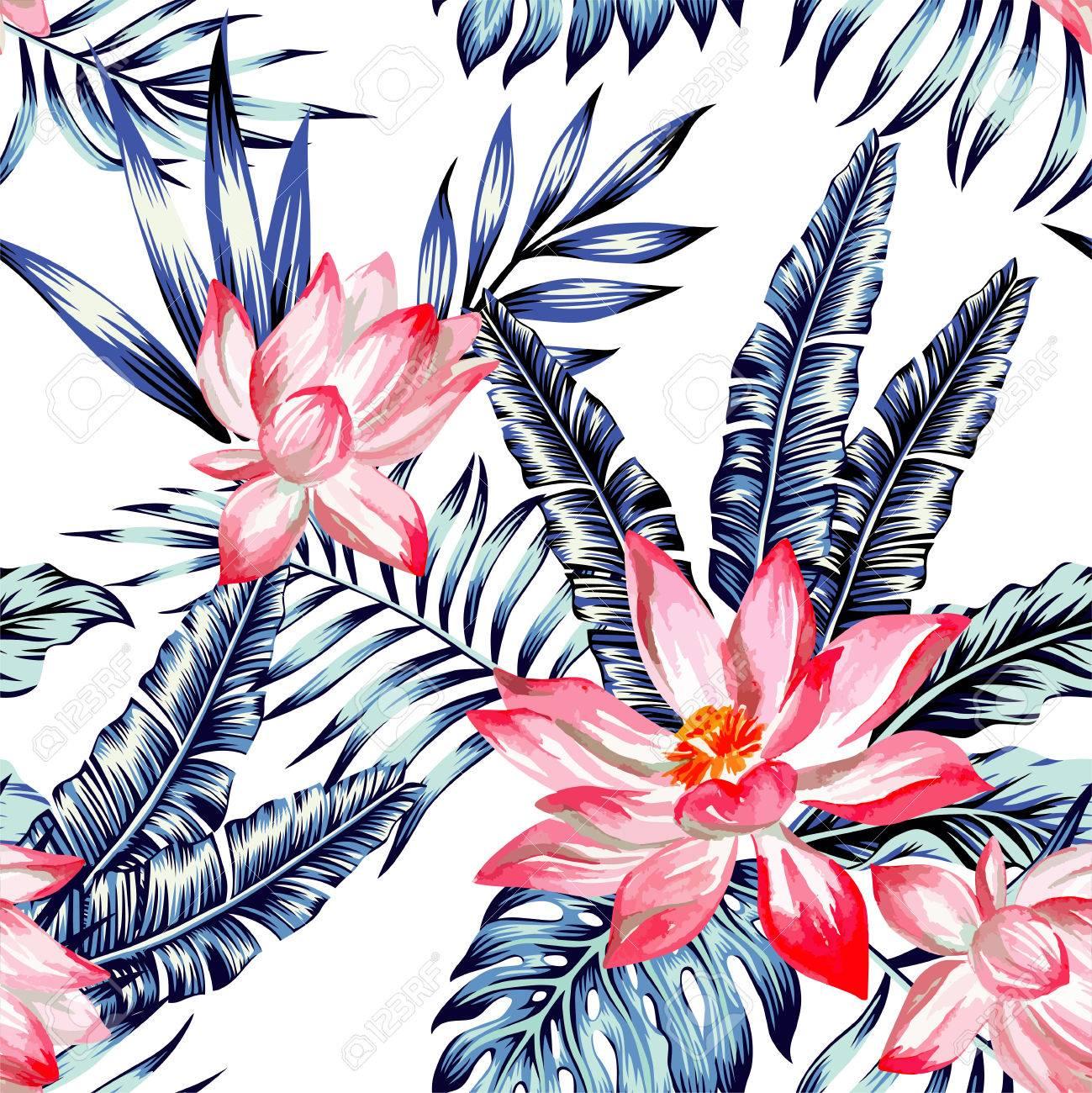 Floral Fashion Tropische Tapete Mit Blättern Der Bananenpalme In Einem  Trendigen Blauen Stil. Standard
