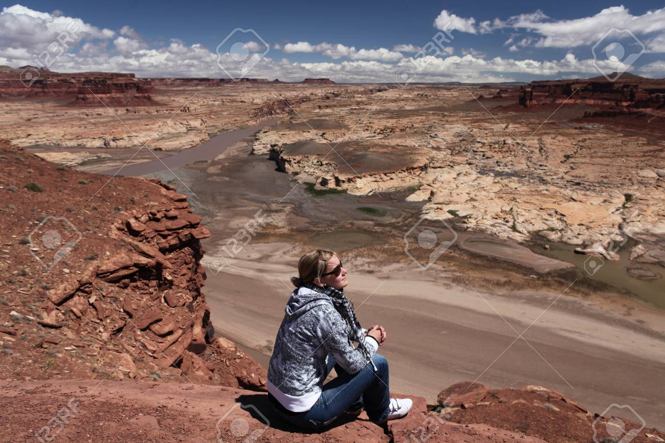 woman looking on Grand Canyon Stock Photo - 18818256