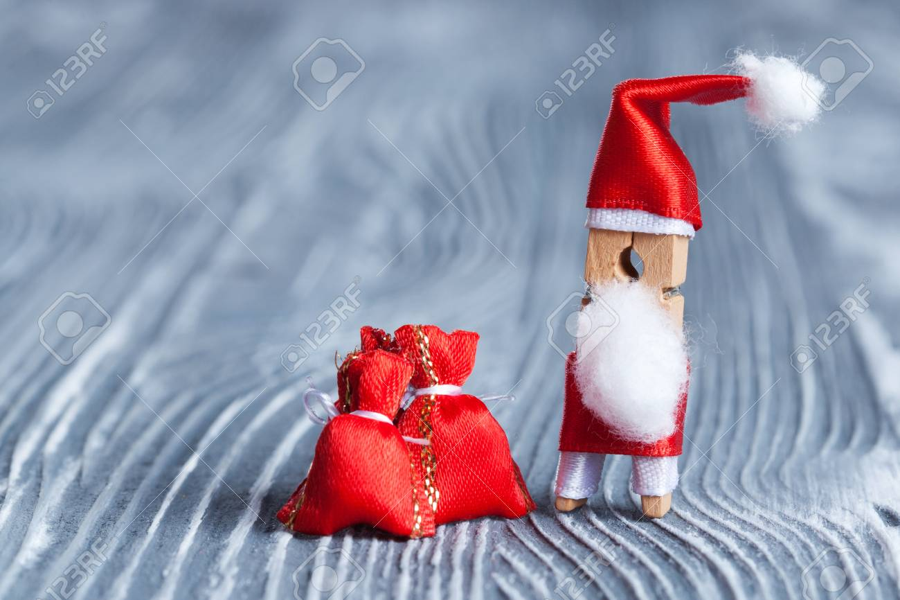 Frohe Weihnachten Einladungskarte. Lustige Spielzeug Wäscheklammer ...