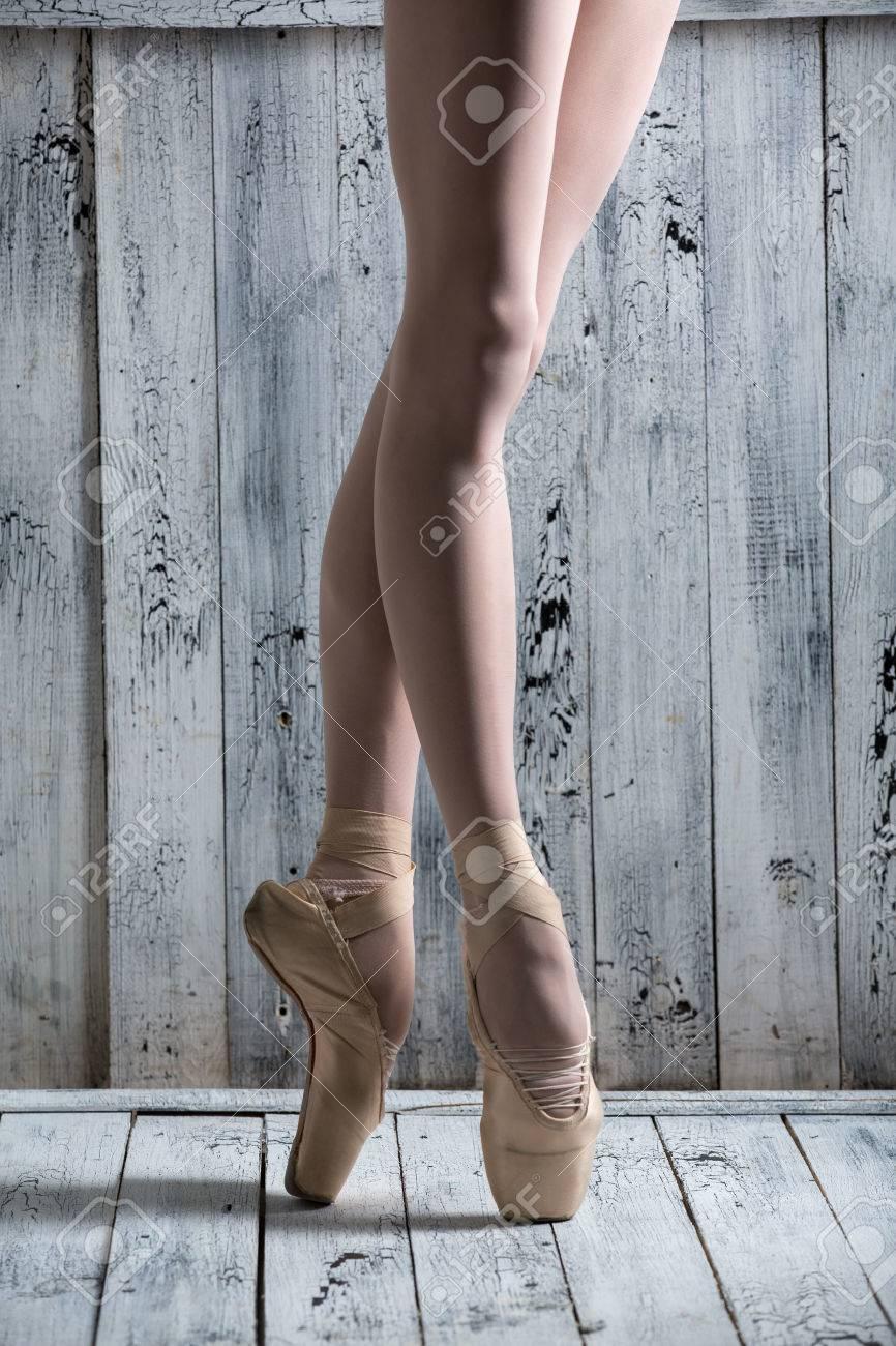 Фото ног молодые 14 фотография