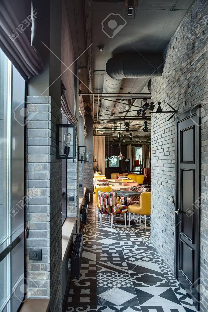 Couloir De La Salle Dans Un Style Loft Dans Un Restaurant Sur La