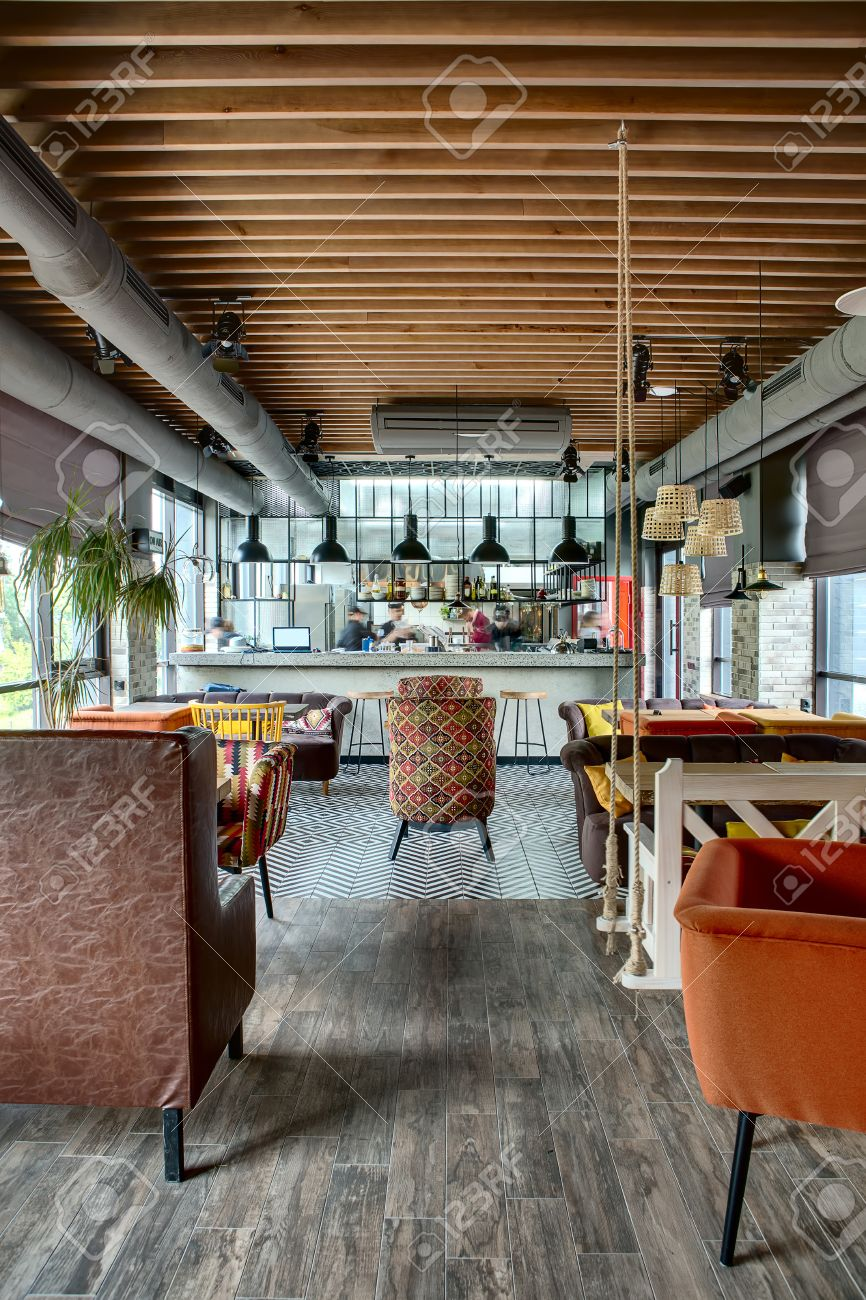 Interior In Einem Loft-Stil In Einem Mexikanischen Restaurant Mit ...