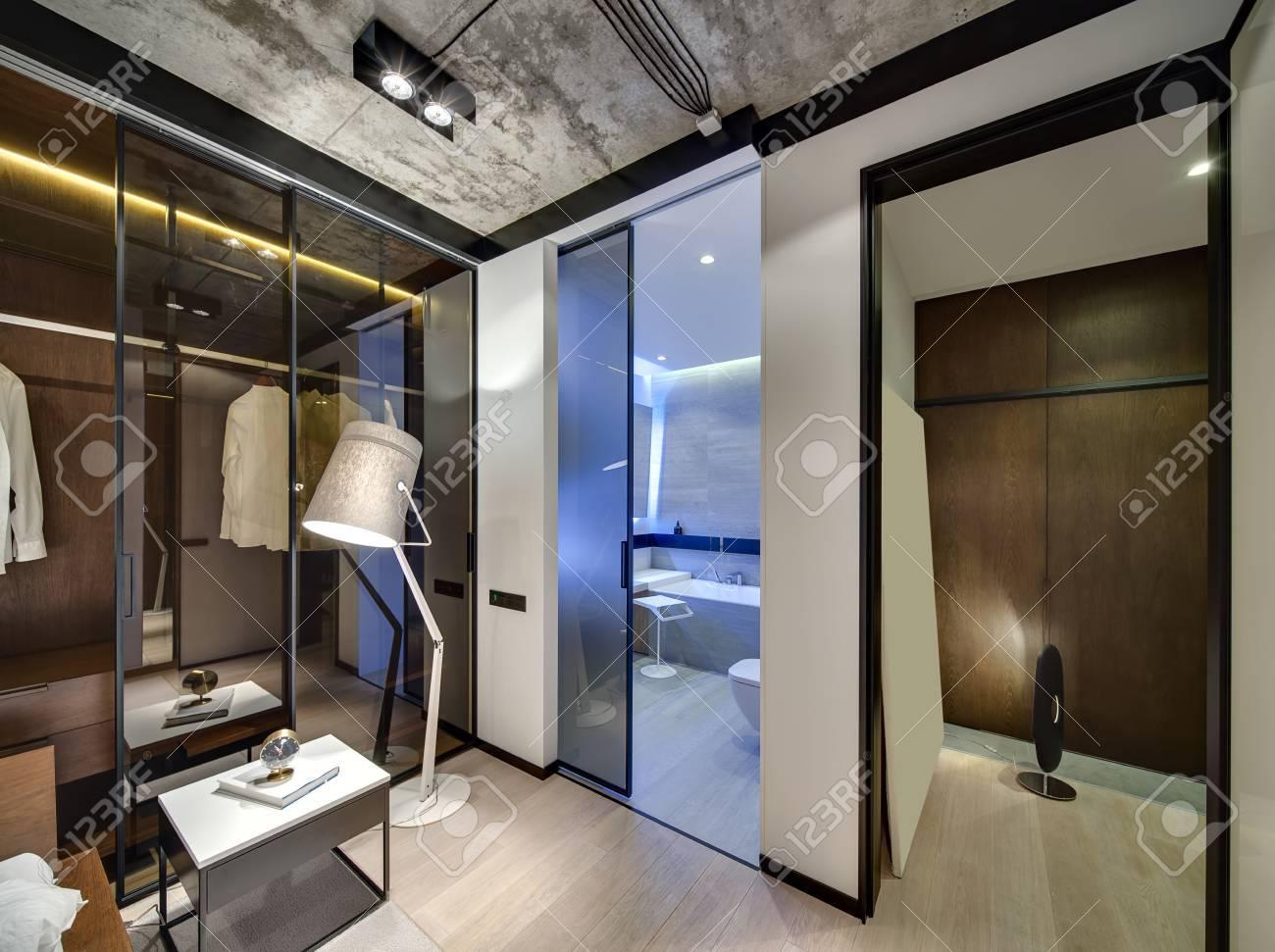 Int Rieur Dans Un Style Loft Avec Des Murs Blancs Et Un Plafond En