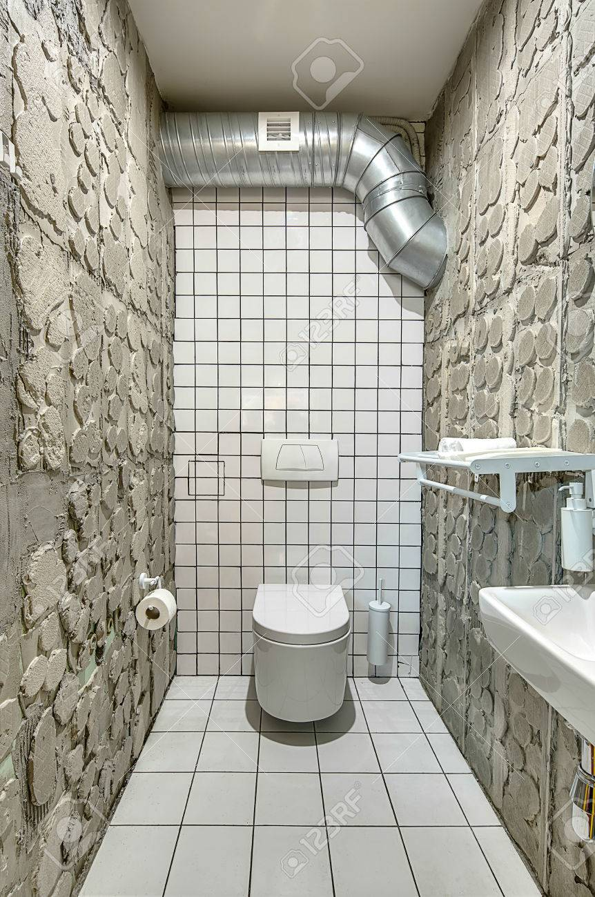 Merveilleux Lavatory In Loft Style Stock Photo   75807684