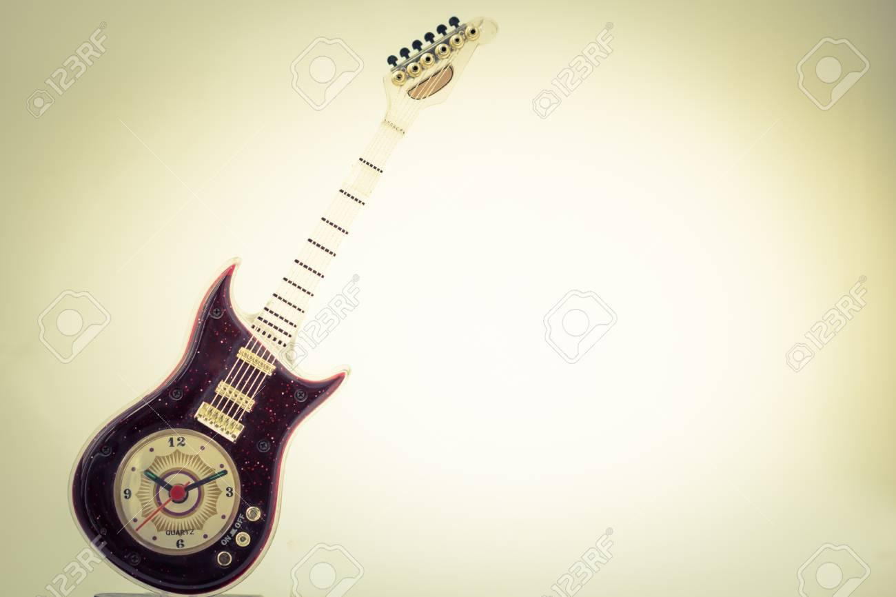 Guitarra Reloj De Viejo Móvil En La Vendimia N8vmwn0