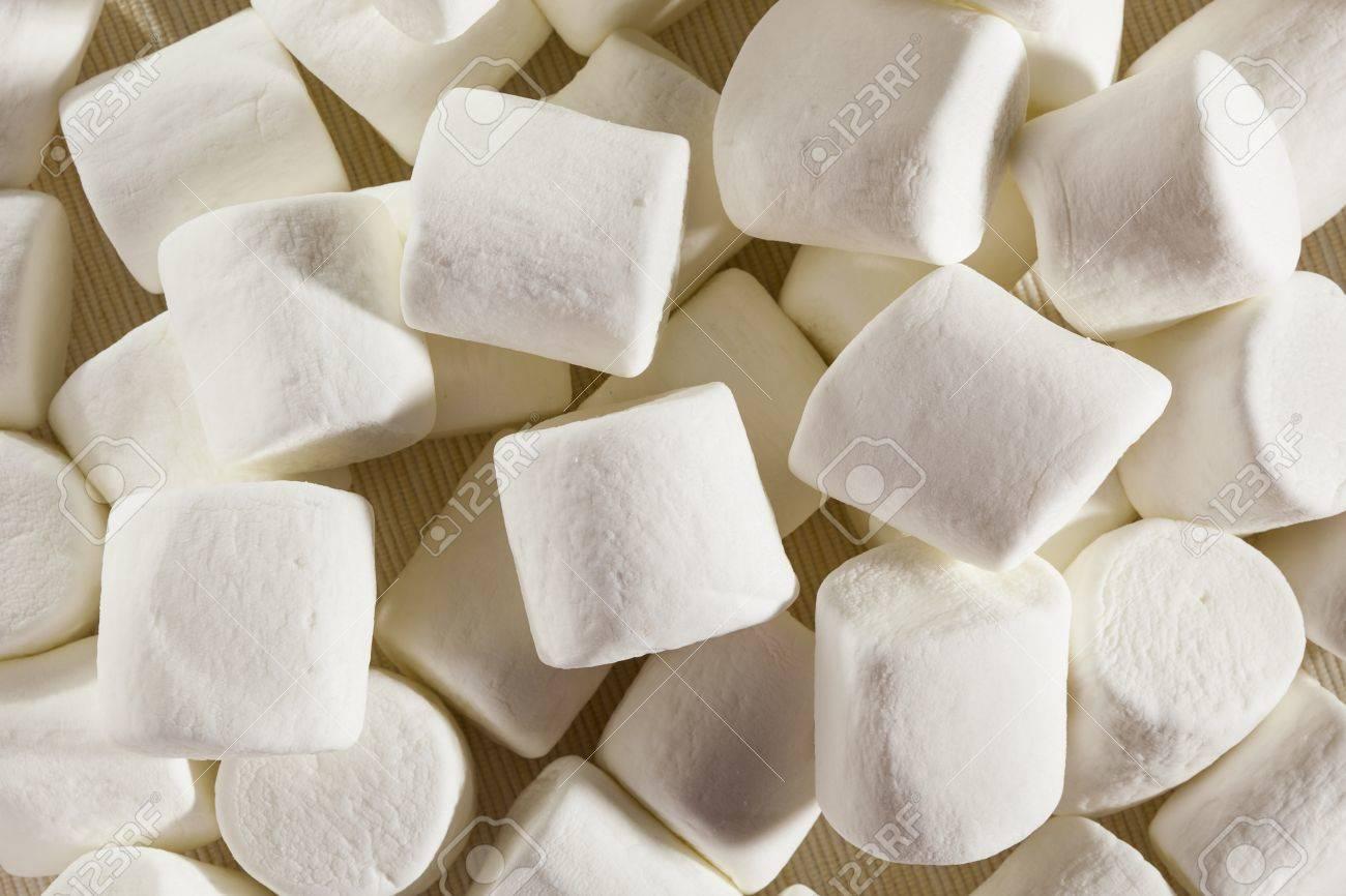 Delicious White Fluffy Round Marshmallows ready to eat Stock Photo - 18581996