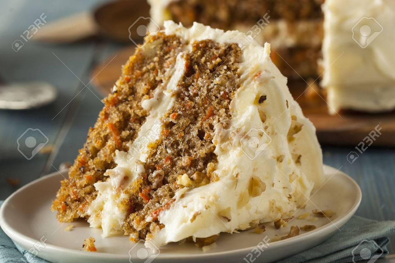 Gesunde Hausgemachte Karotte Kuchen Bereit Fur Ostern Lizenzfreie